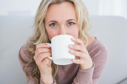 お茶 飲む