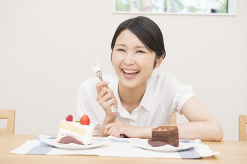 ケーキ 女性 妊婦