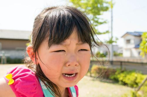 幼稚園 泣く